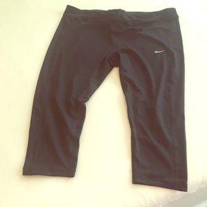 2x Nike dri fit capris